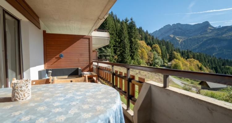 Gryon Immo vous propose un spacieux 4,5 pièces en duplex, proche de la nature, magnifique vue image 4