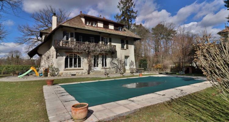 Maison de Charme 11 pièces avec un magnifique jardin au calme image 1