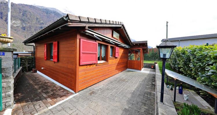 Magnifique chalet 3,5 p / 2 chambres / 1 SDB / terrasse avec jardin image 1