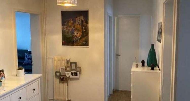 Superbe appartement de 4 pièces situé à Carouge.  image 1