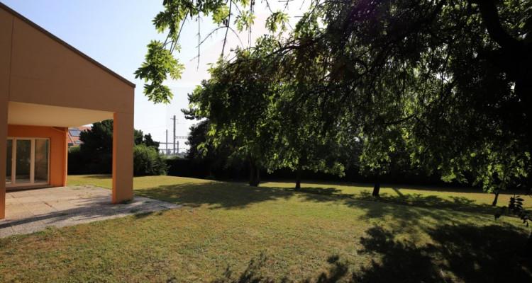 Maison individuelle de 9 pièces avec un beau terrain image 8