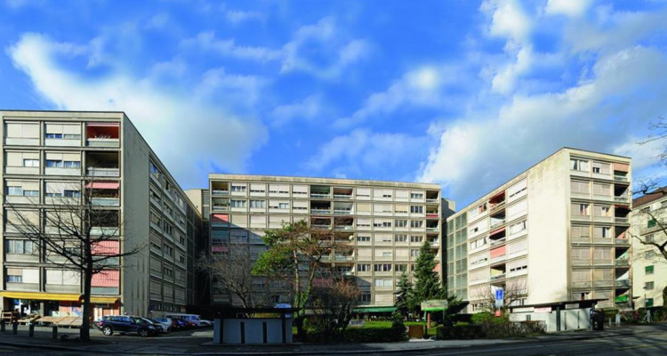 Spacious 4 rooms apartment for rent in Malagnou, Geneva, from the 1st of April image 1