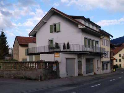 Immeuble locatif à Vallorbe avec 2 appartements LIBRE DE SUITE image 1