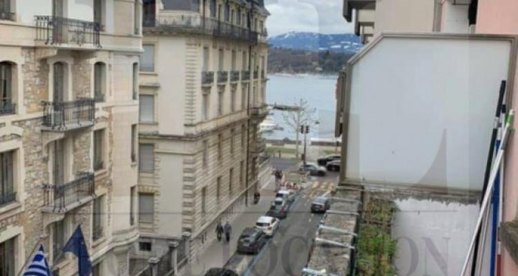 Magnifique 2 pièces à deux pas du Président Wilson avec balcon image 1