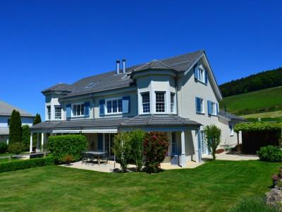 Superbe villa mitoyenne de 7,5 pièces à deux pas de Vevey et Montreux image 1
