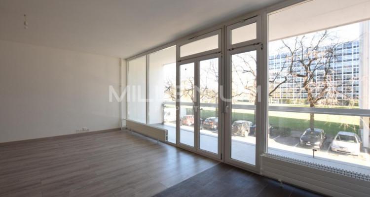 Bel appartement à Meyrin avec balcon image 2