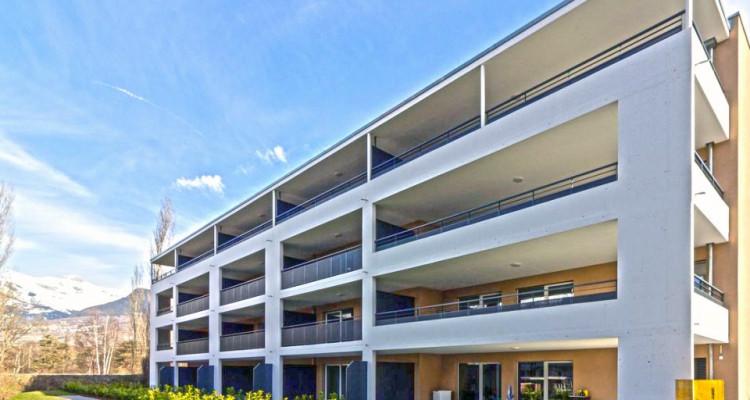 FOTI IMMO - Appartement de 3,5 pièces avec balcons. image 1