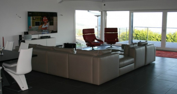 Amazing house with stunning lake view 300m2 at Arzier. image 2