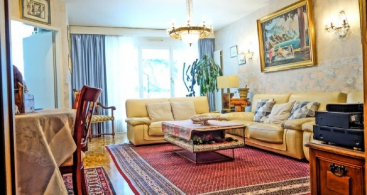 Superbe appartement traversant 5 pièces au Petit-Saconnex.   image 1