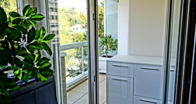 Superbe appartement traversant 5 pièces au Petit-Saconnex.   image 8