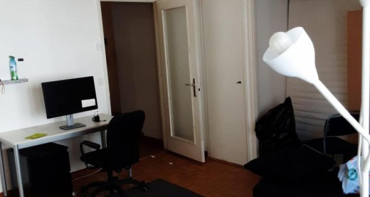 Appartement 3 pièces à plainpalais qui va être refait à neuf image 2