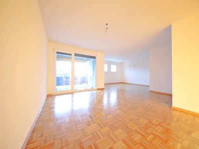 Magnifique appart 3,5 p / 2 chambres / 1 SDB / avec balcon. image 1