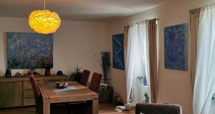 Magnifique appartement / bâtisse de charme / vue imprenable sur le lac image 3