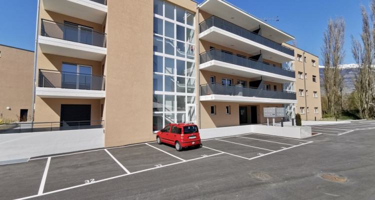 LOCATION VENTE - Appartement neuf de 3 pièces proche du Rhône. image 11