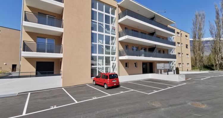 LOCATION VENTE - Appartement de 3,5 pièces avec balcons. image 7