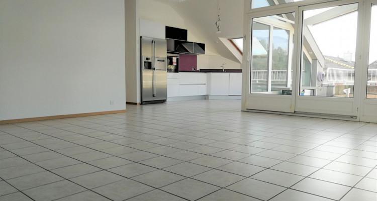 Magnifique attique 4,5 pièces / 3 chambres / Terrasse / 2SDB image 1