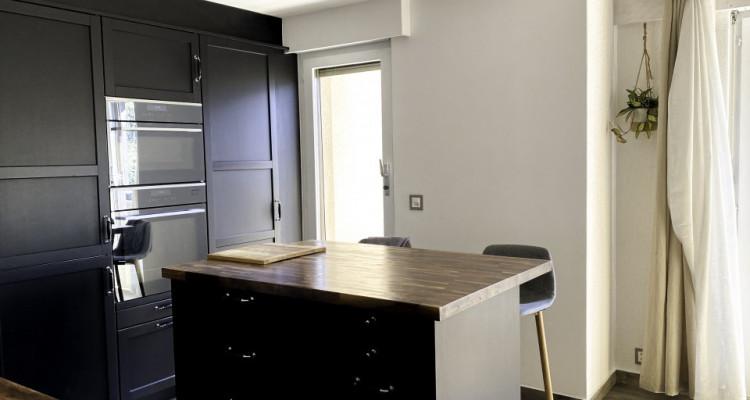 Appartement en duplex de 6.5 pièces rénové en 2018 image 3