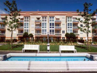 Magnifique appartement  meublé de 4,5 pièces / 3 chambres / 2 balcons image 1