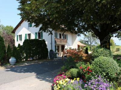 OBJET RARE - Ancien corps de ferme rénové à Arnex-sur-Nyon image 1