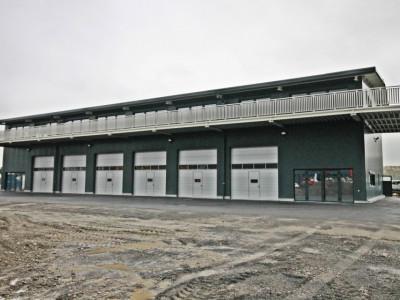 Belle halle industrielle neuve avec garages de 5m de hauteur image 1