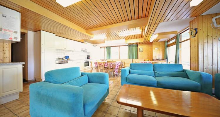 Logement au pied des pistes  15 p / 12 chambres / 2 SDB / 2 cuisines image 2