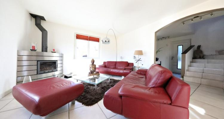 Visite 3D maison de 7 pièces /  5 chambres / 3 SDB / avec jardin. image 3