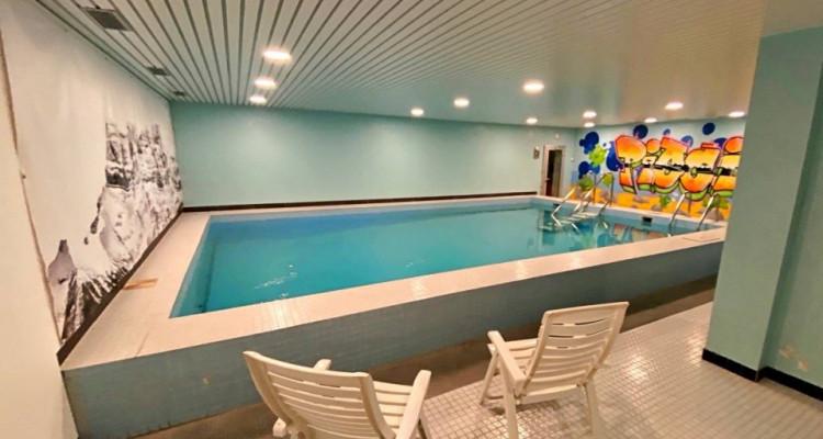 Magnifique appart meublé 2,5 p / 1 chambre / 1 SDB / balcon avec vue image 6