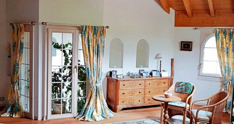 Superbe villa individuelle 8 p / 5 chambres / 4 SDB / piscine / vue image 8