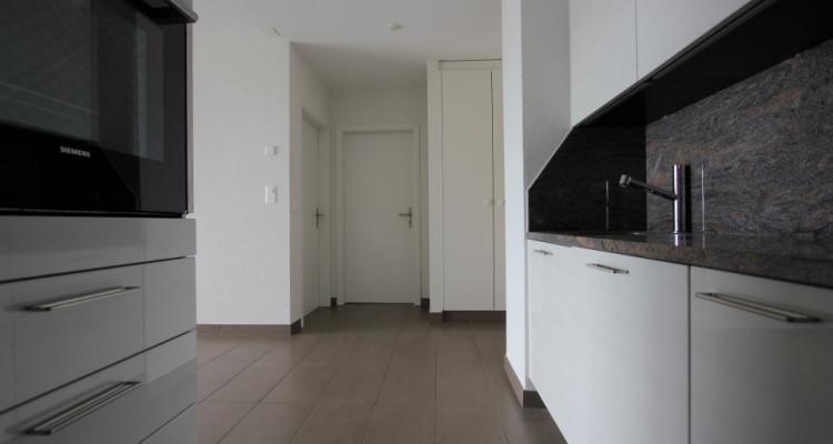 1ER LOYER OFFERT ! Appartement de 2.5 pièces au 3ème étage image 3