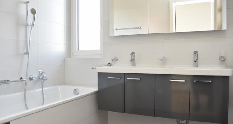 Splendide appartement de standing de 4,5 pièces avec dégagement image 6