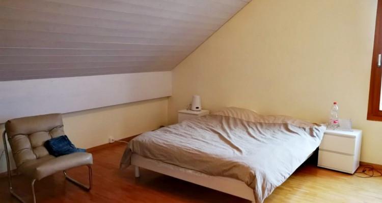 Magnifique duplex en attique 4,5 p/  terrasse / vue lac et montagnes  image 6