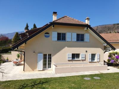 Très belle villa familiale avec entrée indépendante au sous-sol image 1