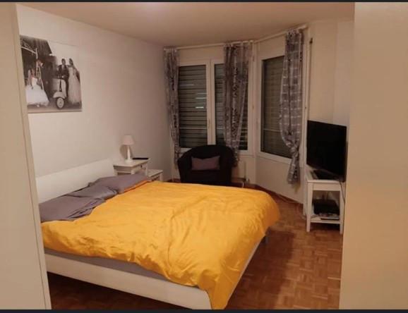 Magnifique appartement traversant de 4 pièces situé aux ...
