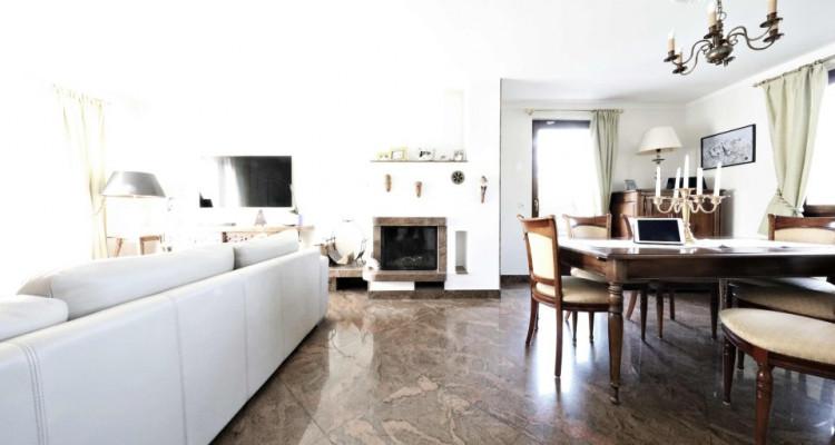 Splendide maison mitoyenne / 5 chambres / 3 salles de bains / Jardin  image 2