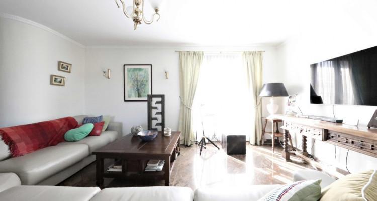 Splendide maison mitoyenne / 5 chambres / 3 salles de bains / Jardin  image 3