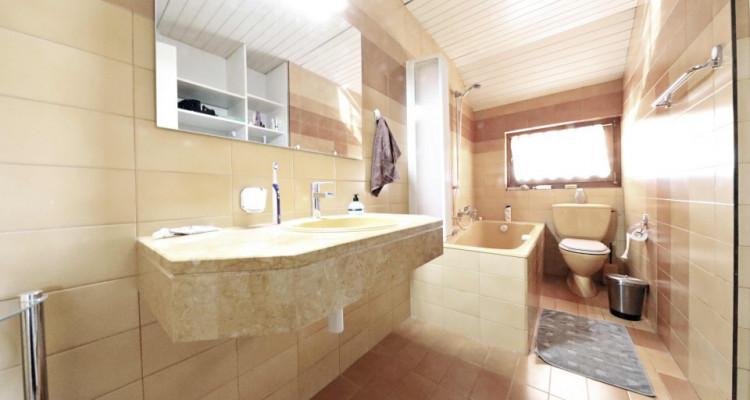 Splendide maison mitoyenne / 5 chambres / 3 salles de bains / Jardin  image 8