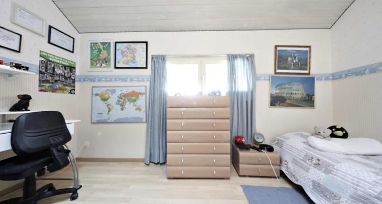Splendide maison mitoyenne / 5 chambres / 3 salles de bains / Jardin  image 9