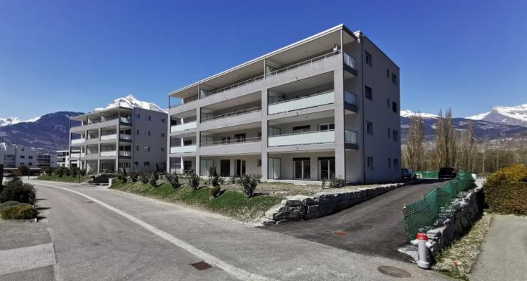 FOTI IMMO - Bel appartement neuf de 2 pièces avec balcon. image 1