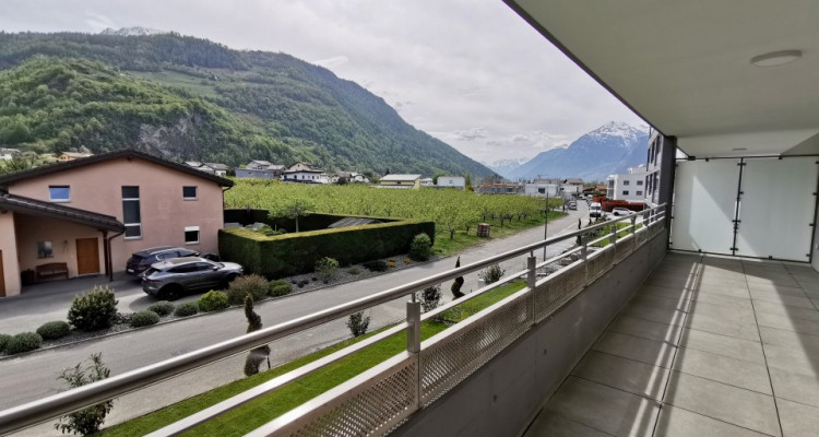 FOTI IMMO - Bel appartement neuf de 2 pièces avec balcon. image 4