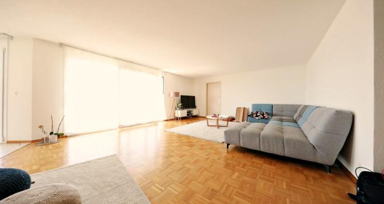 Magnifique appartement 7 pièces, vue lac, grand balcon à Chardonne image 2