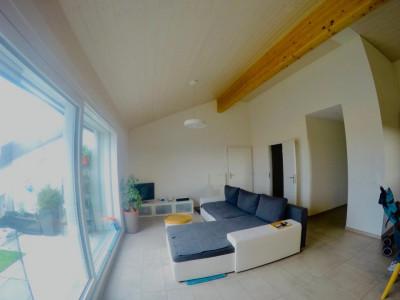Très bel et lumineux appartement de 3.5 pièces au ch. du Closez 4 à Gimel image 1