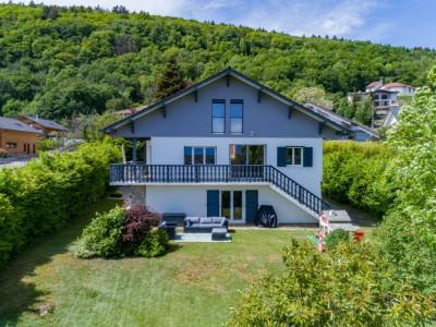 Belle villa spacieuse à Divonne-Les-Bains avec magnifique vue image 1