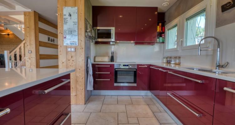 Belle villa spacieuse à Divonne-Les-Bains avec magnifique vue image 9