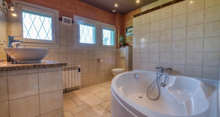 Belle villa spacieuse à Divonne-Les-Bains avec magnifique vue image 13