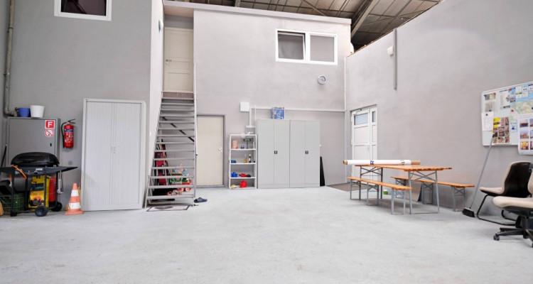 Locaux, atelier, dépot, salle d'exposition. image 3