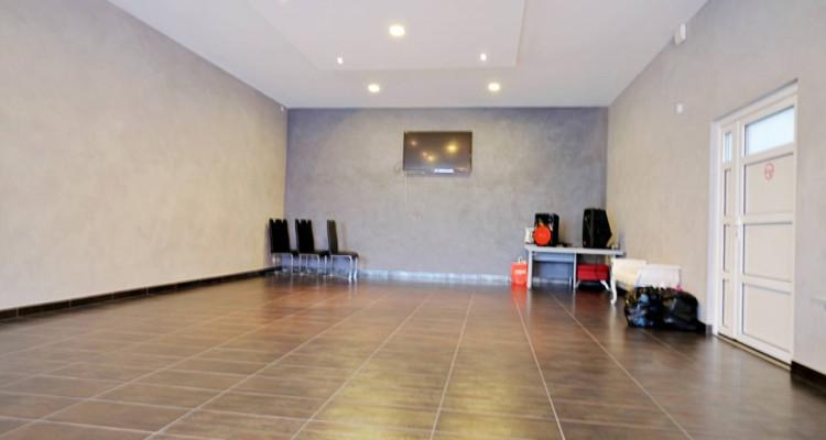 Locaux, atelier, dépot, salle d'exposition. image 5