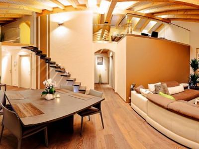 Magnifique duplex en attique 4,5 p / 3 chambres / 2 SDB / terrasse image 1