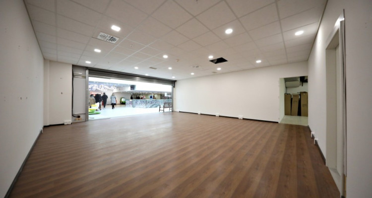 Belle surface commerciale // Morges - centre commercial de la Gottaz image 2