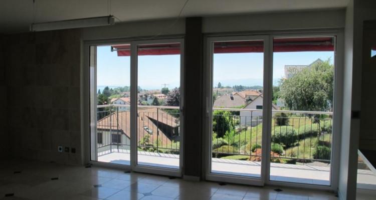 Appartement lumineux avec vue sur le lac ! image 7