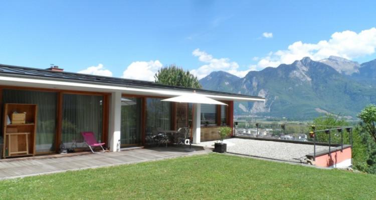 Très belle villa de 7,5 pièces avec vue panoramique image 1